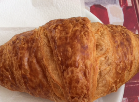 Un  croissant ed è felicità/Just need a croissant for happiness